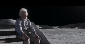 "Pubblicità di Natale - John Lewis ""Man on the Moon"""