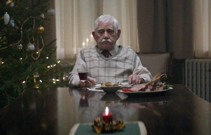 """Pubblicità di Natale – Edeka """"Heim Kommen"""""""